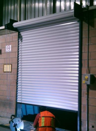 Herreria y cortinas espa a fabricacion de puertas for Cortinas espana