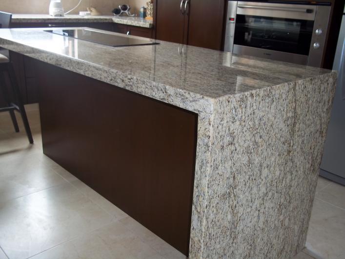 Mosaicos y marmoles de tlahuac s a de c v marmoles y for Laminas de marmol y granito