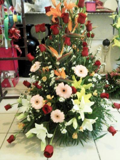 Flores artificiales y arreglos florales a domicilio - Arreglos florales artificiales centros de mesa ...
