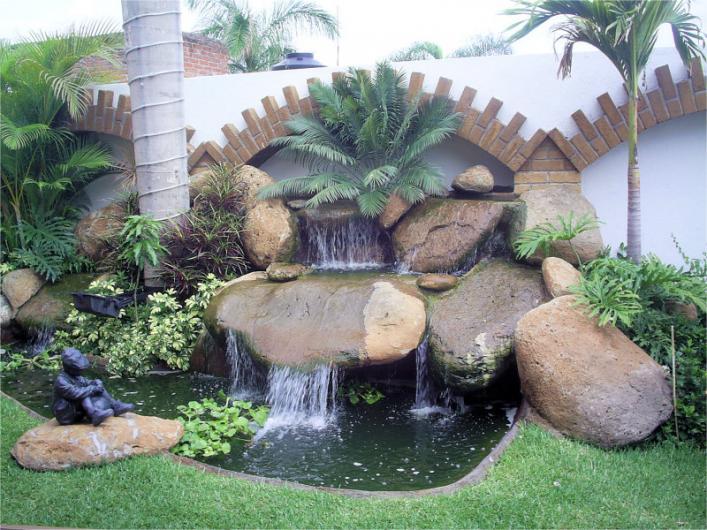 Ortega ortiz jardineria artey dise o exterior en pachuca for Piedras para cascadas