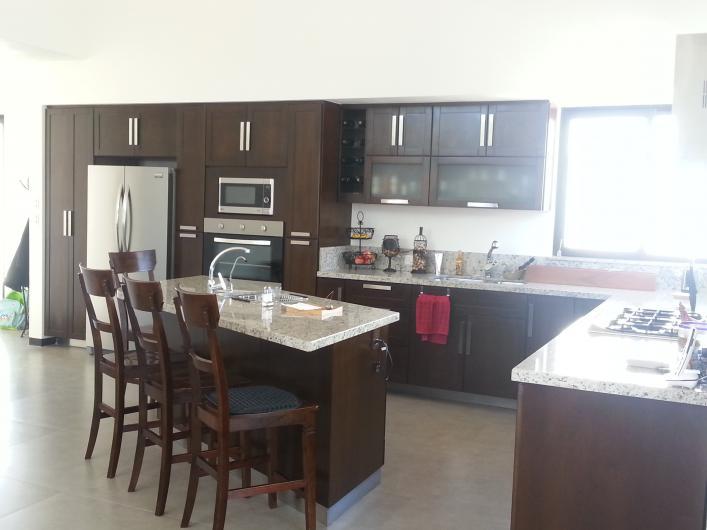 Home integral solutions mesas barras cantinas de madera for Ranch house con cantina
