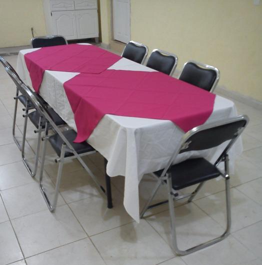 Renta de mesas y sillas tom s renta de equipo para for Mesas redondas plegables para eventos
