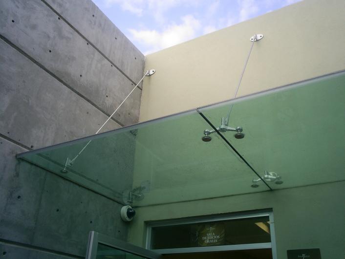 Taller metal herreria vidrios aluminio fachadas de - Fachadas de cristal ...