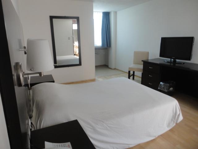 Hotel granada en puebla tel fono y m s info for Decoracion dormitorio 4x4