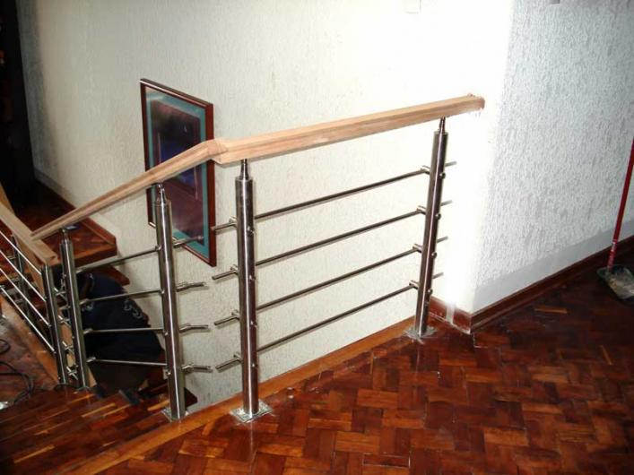 Arte y dise o en madera muebles minimalistas comedores en - Disenos de comedores de madera ...