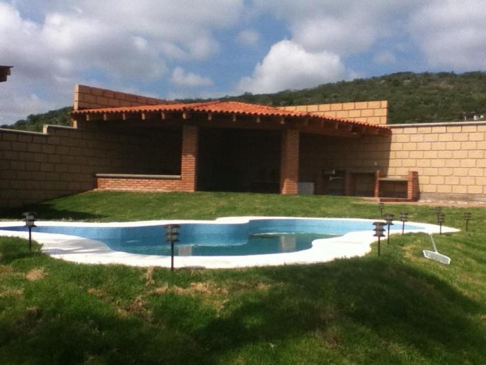 Ecopool lagos artificiales espejos de agua en santiago de for Bombas de agua para cascadas artificiales
