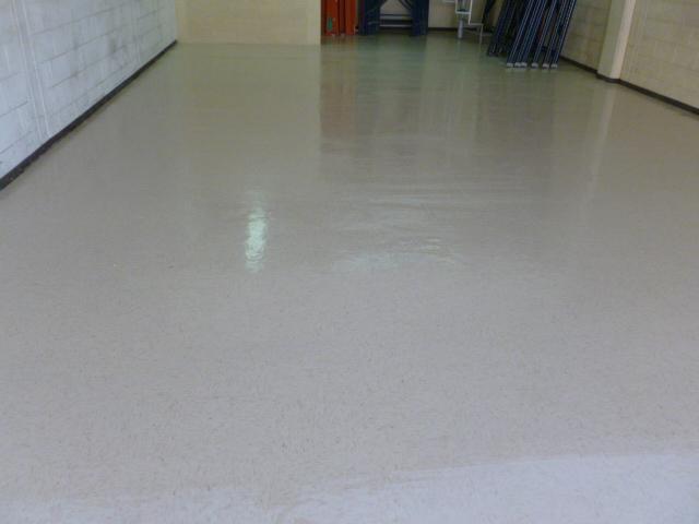 Pulido de pisos aseo de oficinas gobierno industria en for Pulido de pisos de marmol