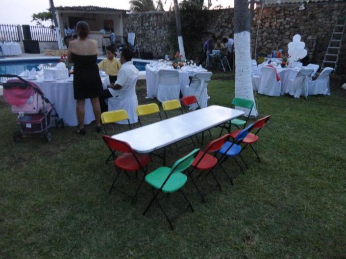 Sillas y mesas plegables en acapulco en acapulco tel fono for Sillas y mesas plegables