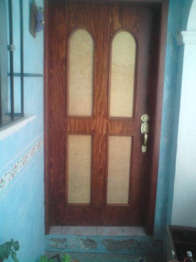 Puertas para interiores y exteriores en santiago de for Puertas de interior y exterior