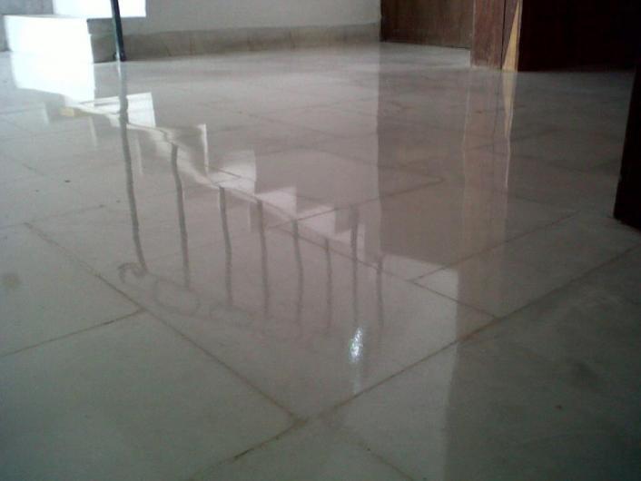 Pulido y mantenimiento de pisos m rmol y concreto en for Piso de concreto pulido