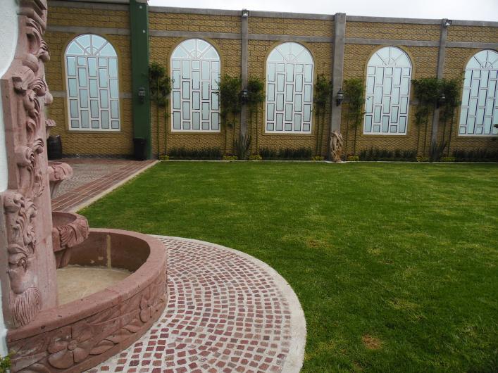 Grand diamante sal n jardin en toluca tel fono y m s info for Salon jardin villa charra toluca