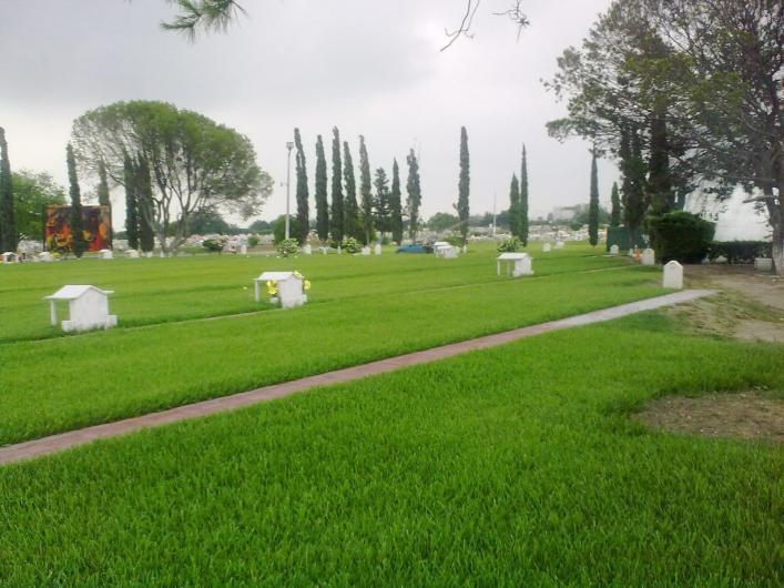 Panteon jardin de los angeles apodaca en apodaca tel fono for Cementerio jardin